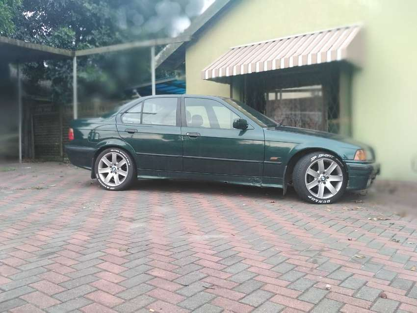 Bmw e36 318is Automatic 0