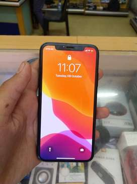 Iphone xs full new condition with box and origional charger