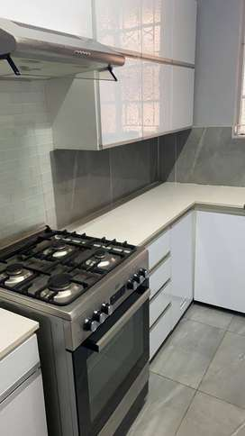3 bedroom flat to let in Musgrave R7500
