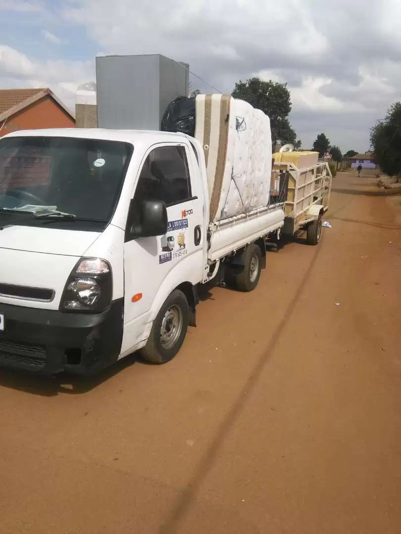 Trucks and Bikkie  for hire any tym 0