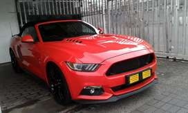 2017 ford mustang  5.0 sports