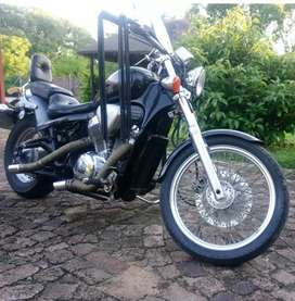 Honda steed vlx 600 cruiser. New battery, recently serviced, New chain