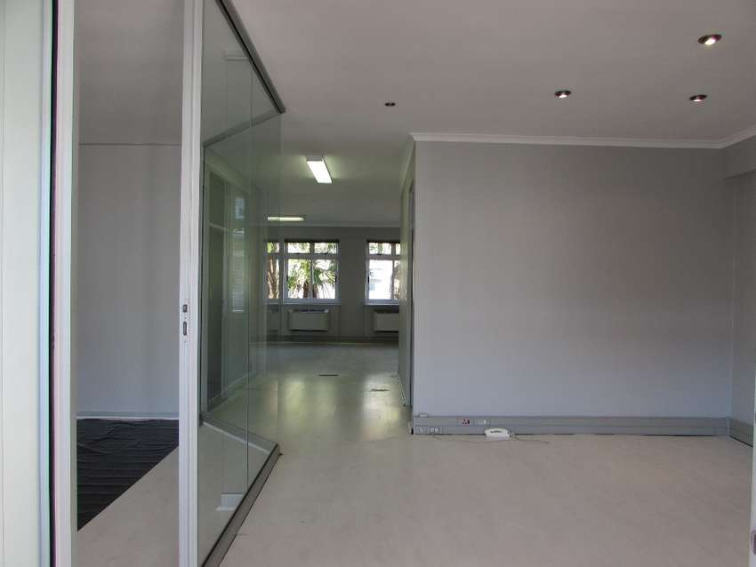 107m2 Office To Let in Century City