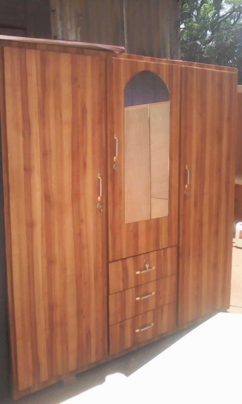 Brand new 3in 1 wardrobe for sell at a cool price. 0