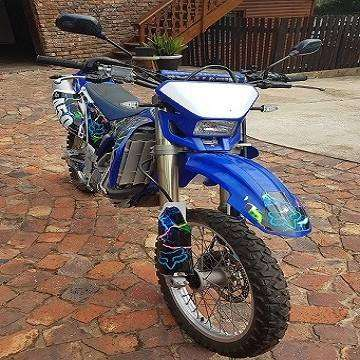 Yamaha WR450F off-road bike in excellent conditionition. 0