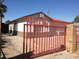 Beautiful Home for sale in Vryburg for R900k