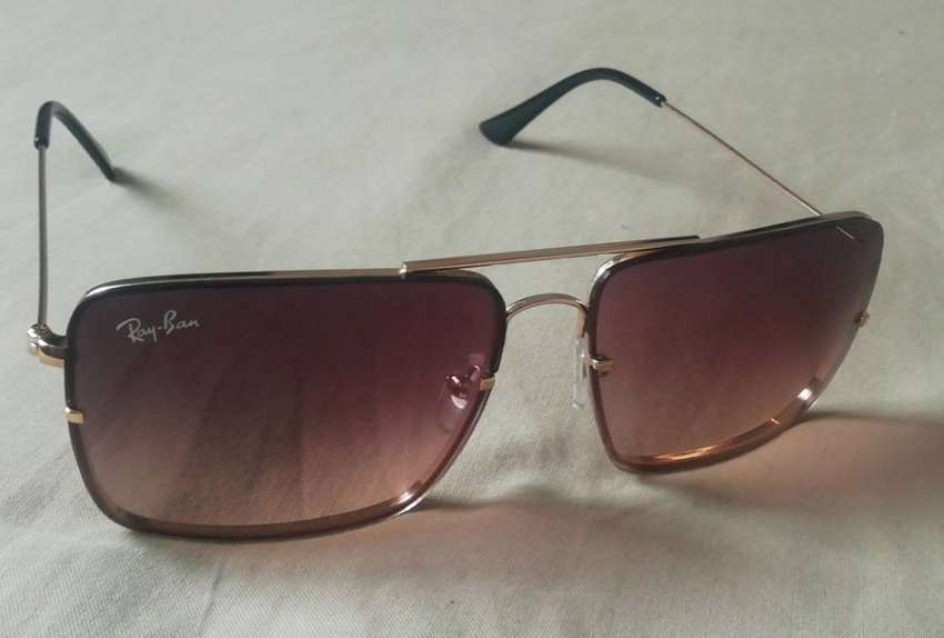 Ray Ban sunglasses, 3 months old 0