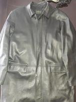 Продам мужскую кожаную куртку черного цвета