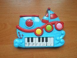 Музыкальный кораблик-пианино.