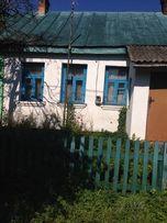 Дві квартири у одноповерховому будинку на ву. Першого Травня