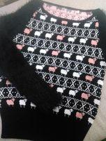 Очень красивый женский свитер. Рукава травка. Стильный принт.