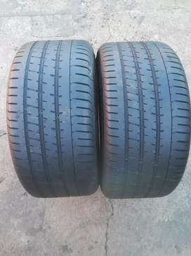 275/35/20 used pirelli run flat tyres in good condition.
