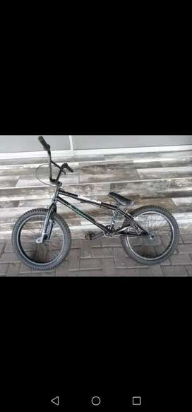 Bmx mongoose L80