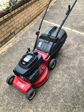 Selection of reconditioned Lawnmowers