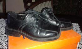 Pantofle buty chłopięce komunijne czarne r. 31