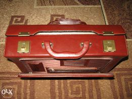 Продам портфель кожаный новый коричневый