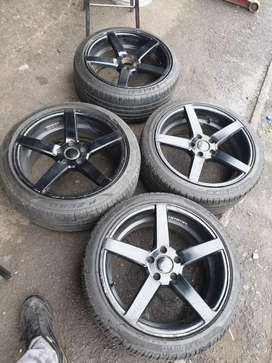 Selling this comeplet set of mags for AUDI 18 inch