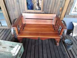 Upcycle garden bench