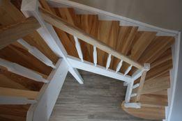 Сходи з дерева. Лестница деревянная. Сходи. Лестница.
