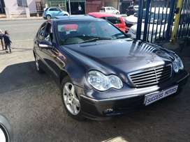 2004 Mercedes-Benz C200 Automatic with a sunroof