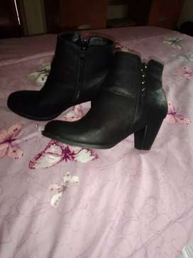 Size 7 women's boots
