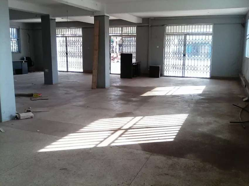 SHOP / Business Hall With Strategic Location Along Bukoto Kampala Road 0