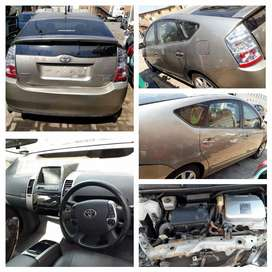 Stripping Toyota Prius Car Spare Parts