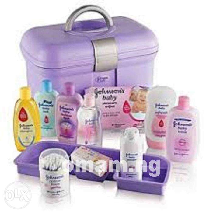 Johnson's Baby Essential Gift Set 0