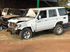 Toyota Landcruiser 76 series for breaking