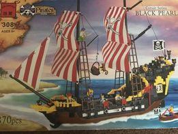 Конструктор(LEGO) BRICK пираты корабль