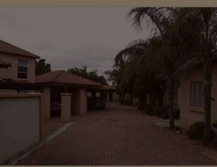 Eight unit townhouse complex. Secure a great passive income!