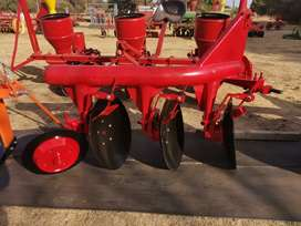 NEW 3 DISC PIPE PLOUGH