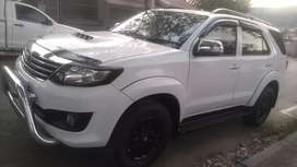 TOYOTA FORTUNER D4D 3.0 AUTOMATIC WITH SPARE KEYS