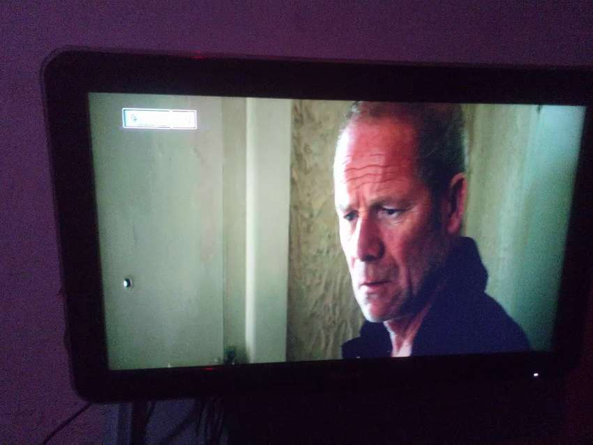 Philip LED TV 32 inches AVAILABLE FOR SALE 0