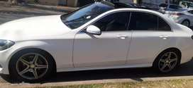 MERCEDES BENZ C 220 WITH PANAROMIC SUN ROOF IN EXCELLENT CONDITION