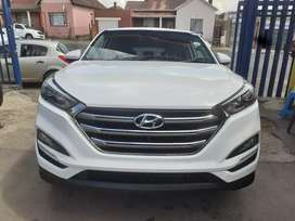 2017 Hyundai Tucson (2.0) Manual  with Service Book