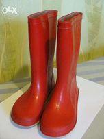 Продам красные резиновые сапоги