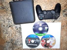 Urgent:Original Ps4 controller with 3 games and case