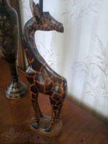 Статуэтка жирафа.