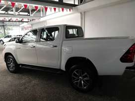 HILUX D/C 4X4 AUTO 2.8 GD-6... CONTACT ZIYAAD