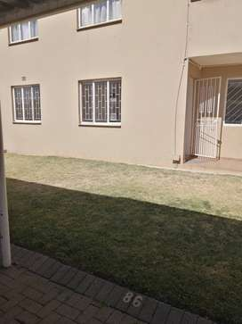 Two bedroom apartment to let in Glen Marais