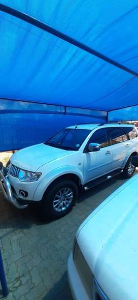 PAJERO SPORT 3.2 DID 4X4 FOR SALE