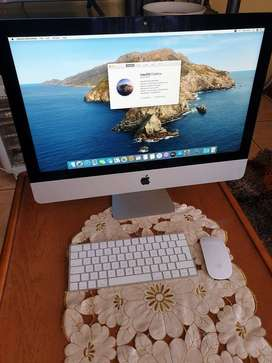 Apple iMac 21.5inch late 2015 8gb ram and 1TB HDD. Pristine condition