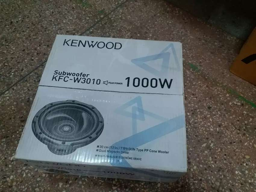 Kenwood 1000 watts woofer kfc-w3010 0
