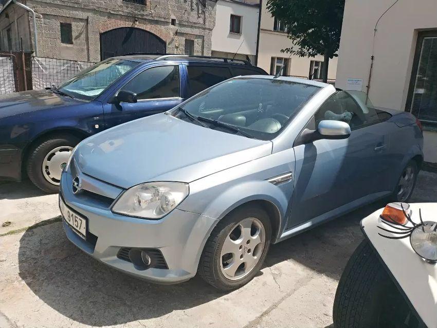Opel Tigra kabriolet 0