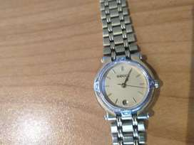 Ladies gold plated Gucci watch.