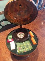 Продам игровой набор: глобус с рулеткой, под старину