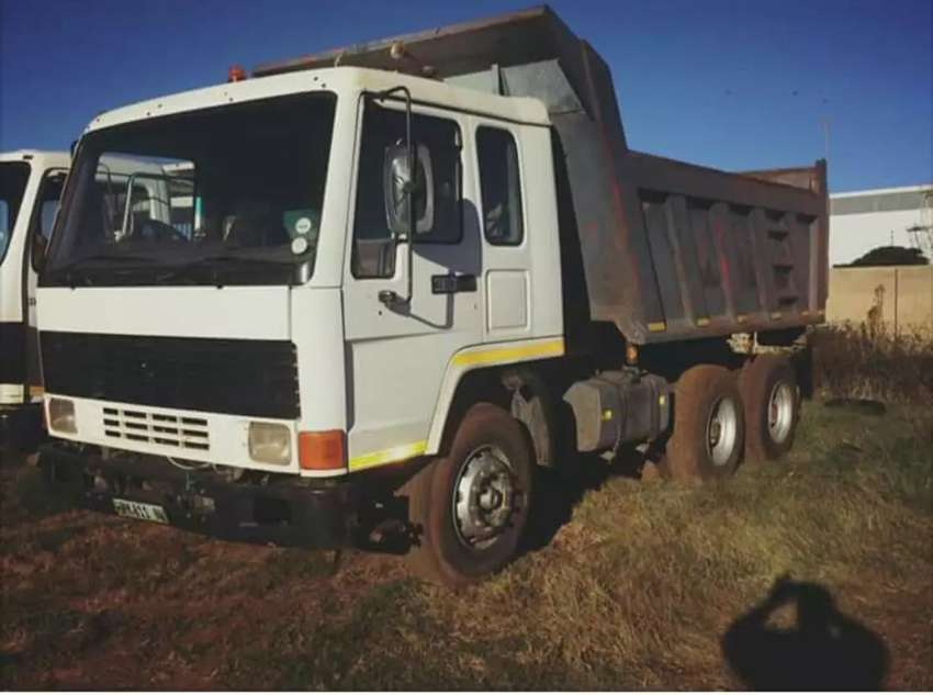 10m tipper truck for hire 0