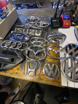 GRILL BADGES FOR MOTOR VEHICLES