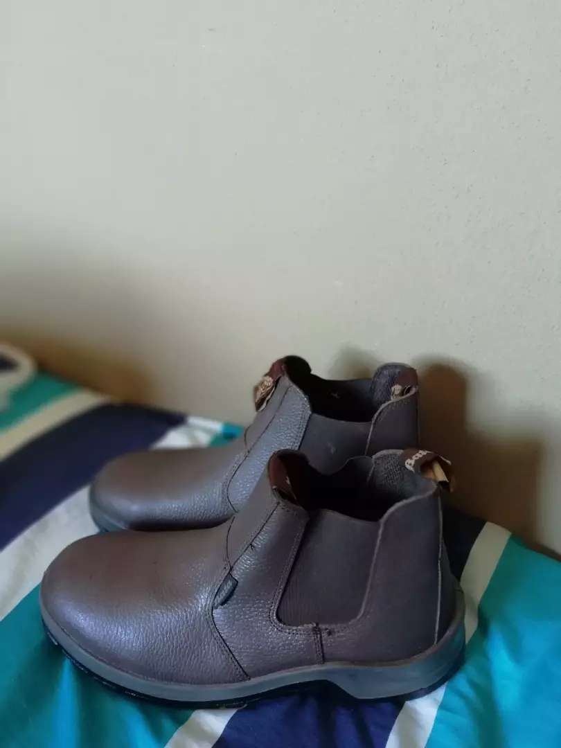 Bata safety boots for sale 0